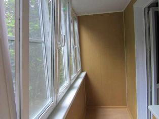 Как определиться с вариантом остекления балкона?